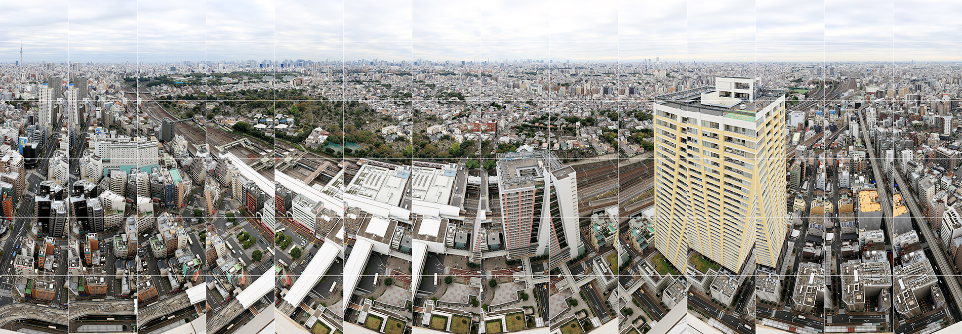 Tokyo is seen from the rooftop in Nishi-Nippori. The photography can be seen as conceptual and belonging to the Kunstakademie Düsseldorf Fotoschule of Hilla and Bernd Becher, Laurenz Berges, Andreas Gursky, Candida Höfer, Axel Hütte, Simone Nieweg, Thomas Ruff, Thomas Struth, Petra Wunderlich, Edward Burtynsky